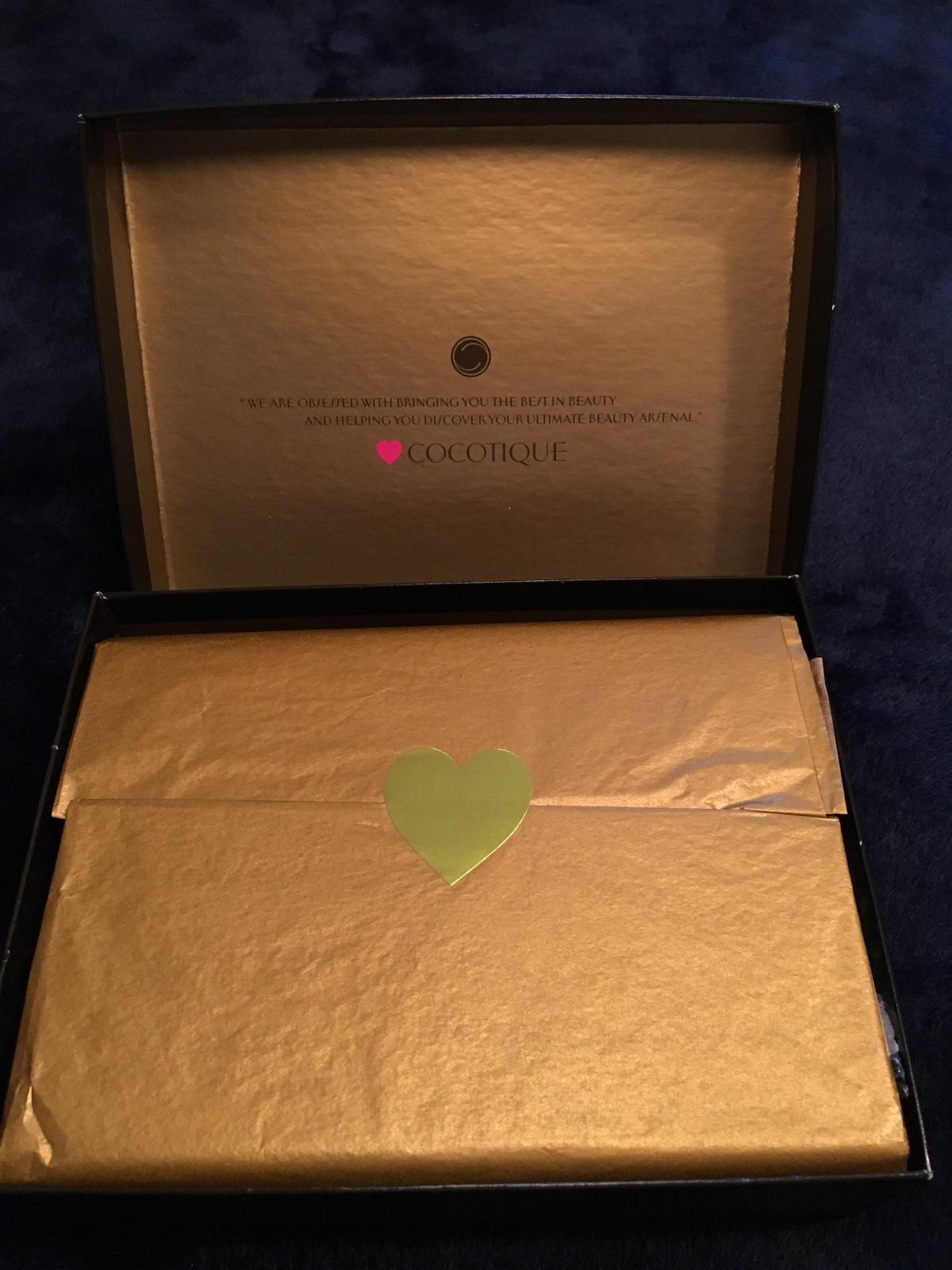 Fit for a Queen : Cocotique Dec Box Review